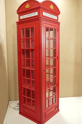 Шкаф в стиле лондонской телефонной будки