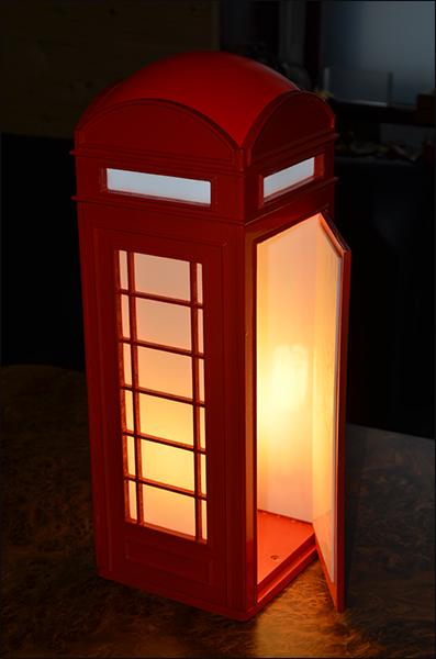 Светильник в стиле анлийской телефонной будки